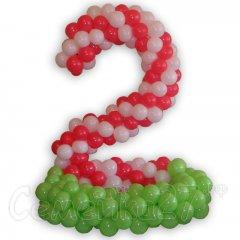 Цифра 2 из шаров с полянкой без наполнения