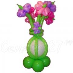Цветы в вазе из шара