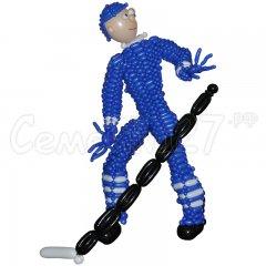 Хоккеист сплетённый из шаров